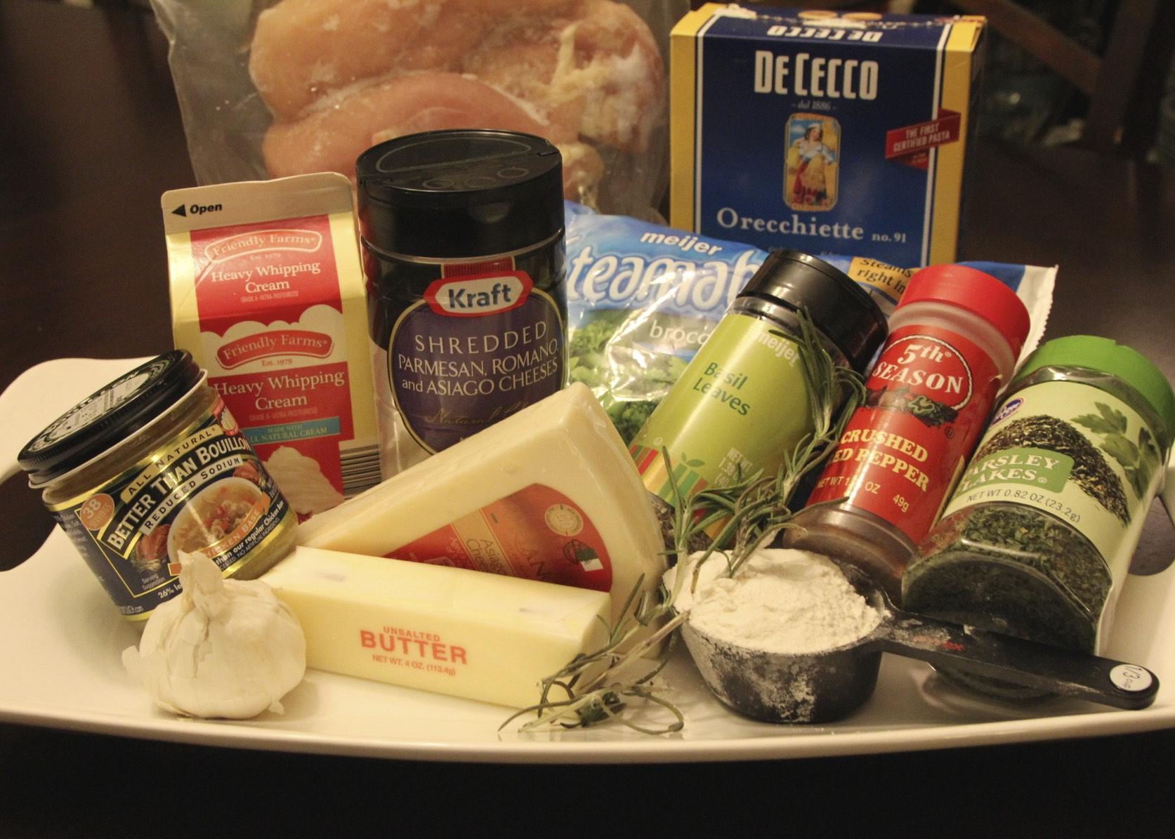 Garlic Pasta With Chicken And Broccoli  Clickinmyheels-3420