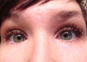 Eye on the left has 1 coat of regular mascara, and the eye on the right has the 3D Fiber Lashes.